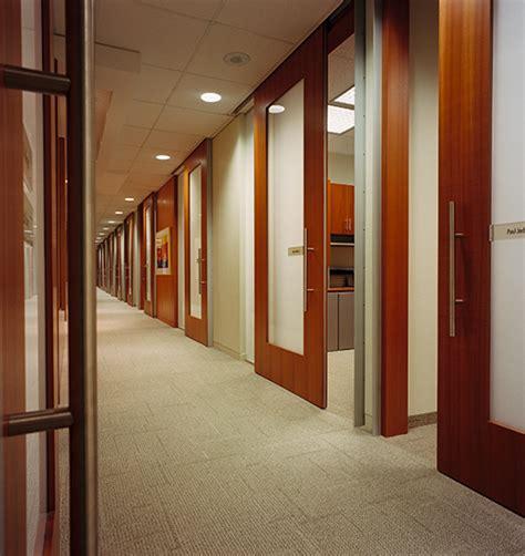 les bureaux des bureaux one size aux cabinets sans murs droit inc