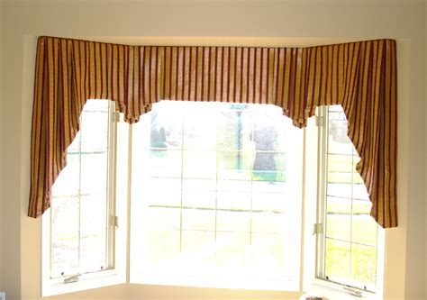 Floral Pattern Valance Combined White Window Treatment