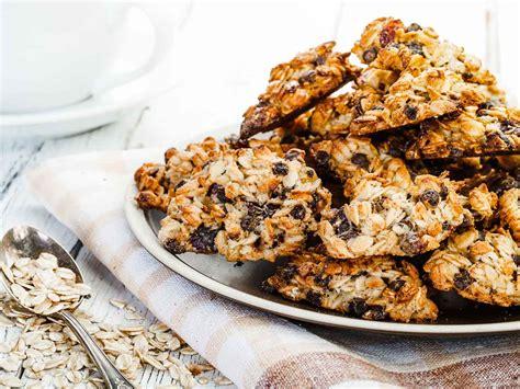 Also needed, one cup of raisins. Sugar-free oatmeal raisin cookies - Saga