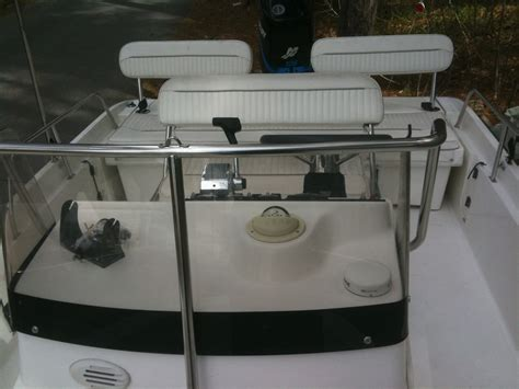 Boston Whaler Boat Owners Club by 2001 Boston Whaler Dauntless 18 The Hull Boating