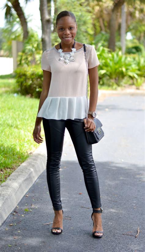 Black Leggings Summer Outfit Ideas