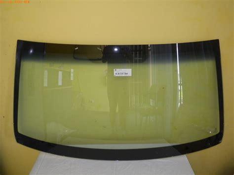 mazdabt  ute frontwindscreenglass
