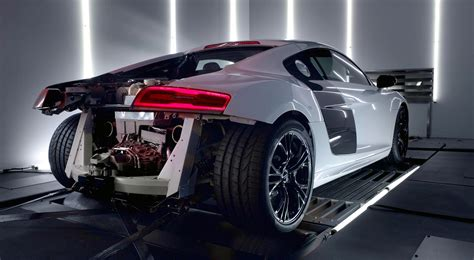 audi r8 motor audi r8 v10 plus engine revealed and heard photos 1 of 4
