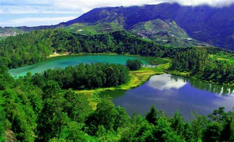 warna lake  dieng plateau wonosobo district