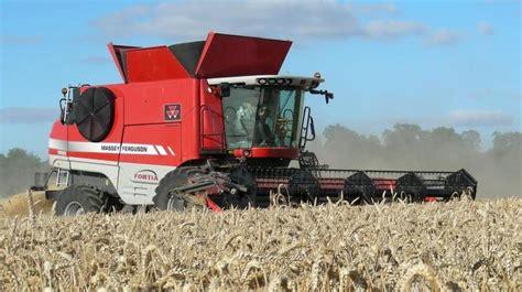 Massey Ferguson 9895 Fortia Combine Tractor