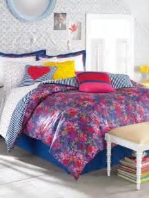 Teen Vogue Floral Bedding
