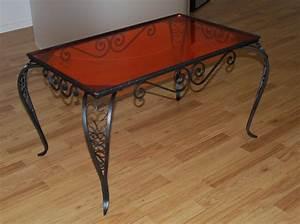 Table En Plexiglas : table basse en plexiglas incolore ~ Teatrodelosmanantiales.com Idées de Décoration