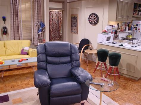 25 things you didn 39 t know about the sets on quot friends quot