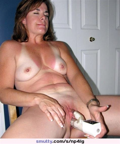 Amateur Hairy Mature Dildo