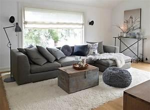 Schwarz Weißer Teppich : wohnzimmer einrichten dekorieren decke wei er teppich und auch schwarz wei idee wohnzimmer ~ Orissabook.com Haus und Dekorationen