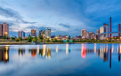 The Magic City: Birmingham, Alabama - Southern Lady