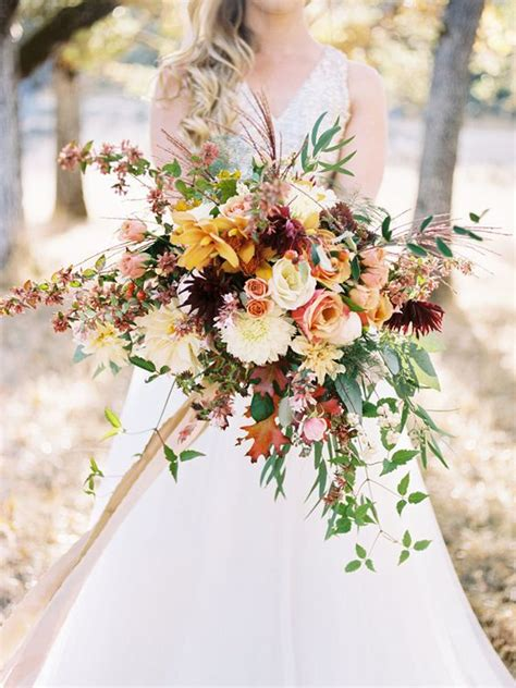 10 Awesome Autumn Wedding Bouquets Youll Love