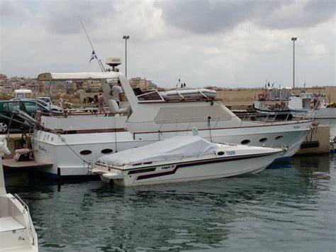 barca cabinata usata cabinato bed breakfast in pto piccolo pozzallo