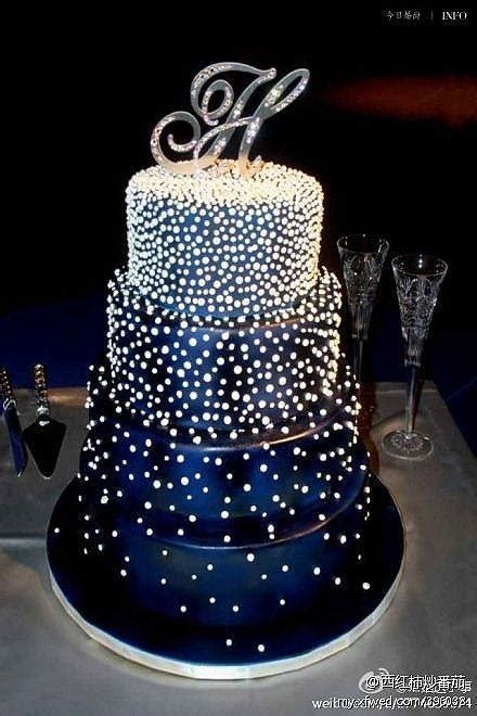 beautiful decorated cakes beautiful decorated cake this would be a beautiful wedding cake in any color cake