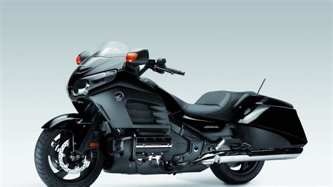 honda goldwing   interior car review
