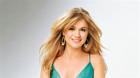 kelly clarkson wallpapers images  pictures backgrounds