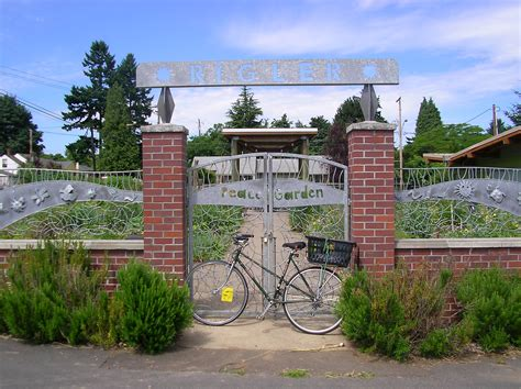 Rigler Community Garden (portland, Oregon).jpg