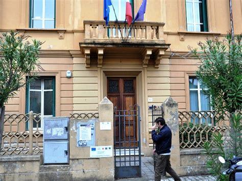 Ufficio Impiego Lucca Il Centro Per L Impiego Chiuso Per La Festa Santo