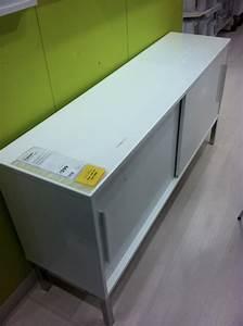 Buffet Metal Ikea : ikea sideboard sleek shiny ~ Teatrodelosmanantiales.com Idées de Décoration