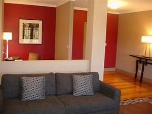 Graues Sofa Kombinieren : wohnzimmer streichen idee rot und wei kombinieren ~ Michelbontemps.com Haus und Dekorationen