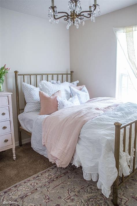 Vintage Bedroom Ideas For Small Rooms by Pretty Bedrooms Rc Willey
