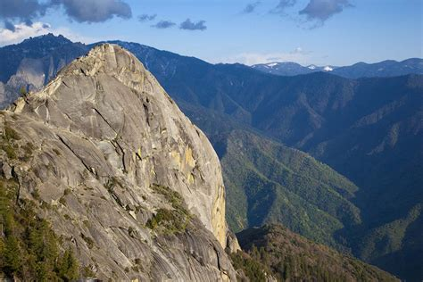 Moro Rock And Crescent Meadow