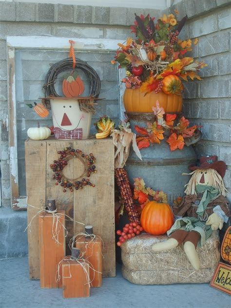 pretty autumn porch decor ideas digsdigs