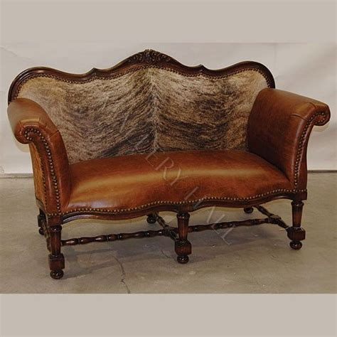 Cowhide Leather Sofa by 1000 Images About Horns Hides On Western