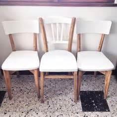 Moderniser Une Chaise De Type Louis Xv En Chêne Et Paille