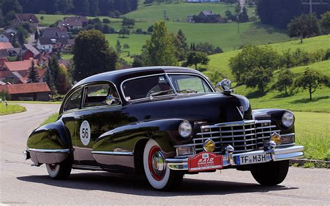 1942 Cadillac Series 62 Widescreen Exotic Bike Picture 01