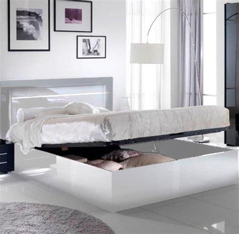 chambre a coucher blanc laqué lit avec coffre de rangement city laque blanc chambre à