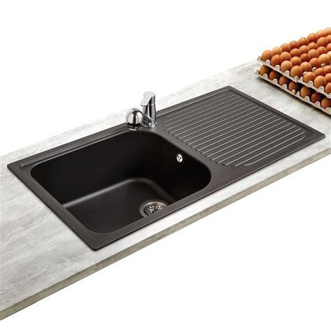 evier de cuisine 2 bacs en resine évier en granit coloris noir 1 grand bac 1 égouttoir