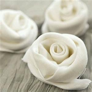 Kränzen Hochzeit Ideen : wow romantische servietten zur hochzeit wie man rosen aus servietten faltet muss ich noch ~ Markanthonyermac.com Haus und Dekorationen