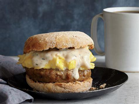 sausage gravy  egg breakfast sandwiches recipe