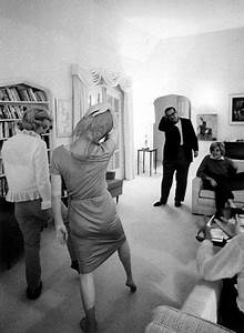 Marilyn Monroe teaching dance moves at Henry Weinstein's ...