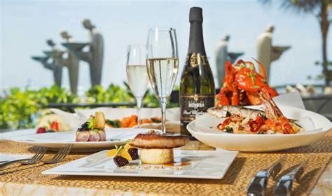 dining island escape villas