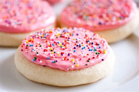 sugar cookies perfect frosted sugar cookies cooking classy