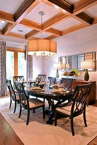 Transitional, Dining, Room, With, Oval, Table
