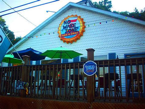 Peoria Hot Dog Wars: No Wake Zone Versus The Hofbrau House—The Final Battle! — Meanwhile, Back ...