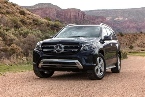 Review Mercedes Gls Class by Review 2017 Mercedes Gls Class Ny Daily News