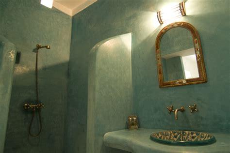 chambre à coucher maroc le tadelakt l 39 enduit idéal pour la salle de bain