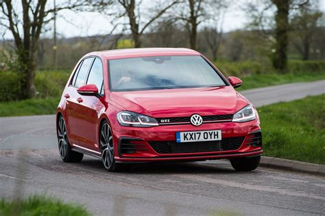 Gti Vs Golf R Engine by Volkswagen Golf Gti Vs Peugeot 308 Gti Pictures Auto