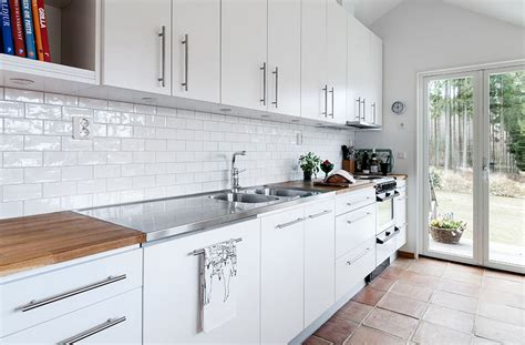 white kitchen with blue backsplash clean white tile backsplash kitchen home design ideas 1832