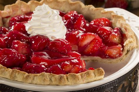 easy pies easy strawberry pie mrfood com