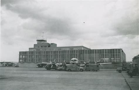 airport history wayne county airport authority