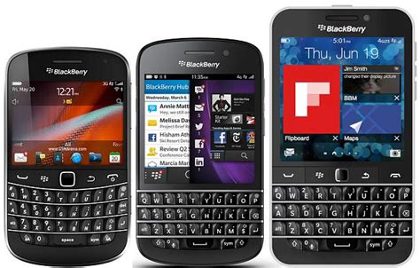 bold next to q10 next to classic blackberry forums at crackberry