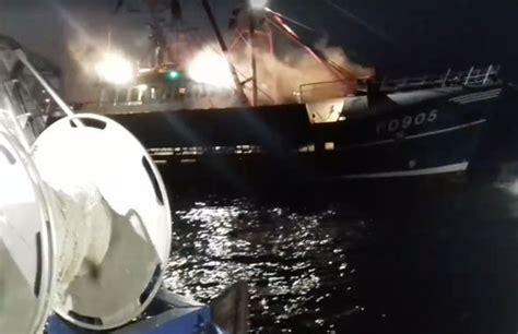 French Fishing Boat Attack by French Fishermen Attack British Fishing Boats In English