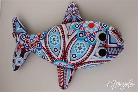 Mini ironwork cx4544 from michael miller. Nähen: Eckberd der Wal ... oder ein kleiner Fischschwarm ...