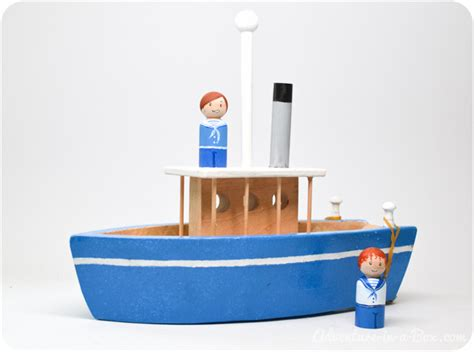 How To Build A Boat Toy by How To Make A Toy Paddle Boat