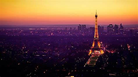 laptop background ideas  eiffel tower  night view